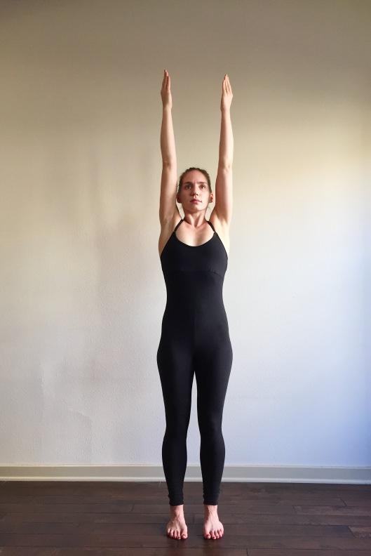 Shoulders Extending Front